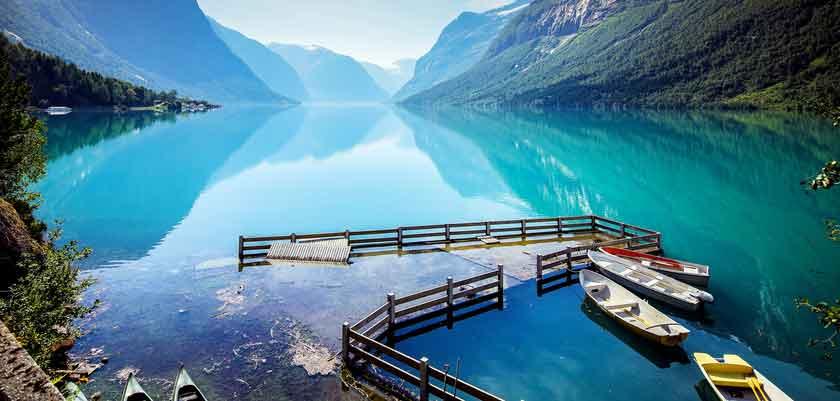 Lovatnet Lake near Loen.jpg